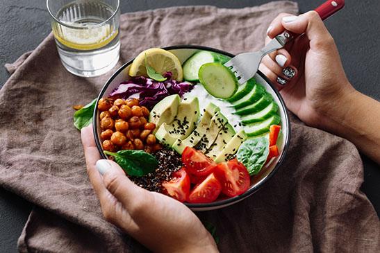 เมนูอาหารลดไขมันพอกตับ อาหารที่เหมาะกับคนที่เป็นไขมันเกาะตับ สลัดผัก
